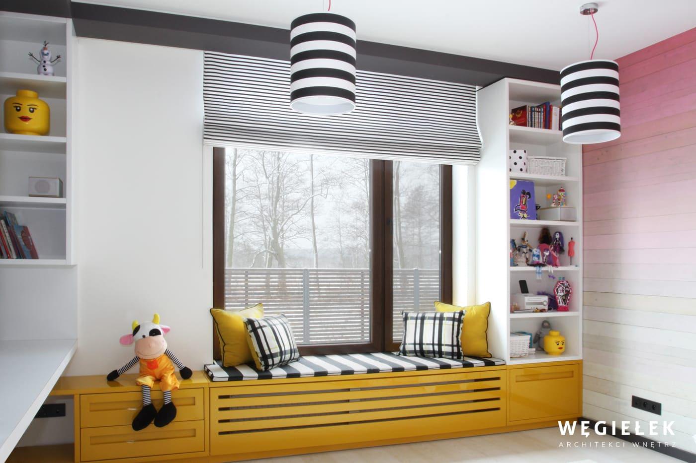 09 pokoj dzieciecy siedzisko pod oknem