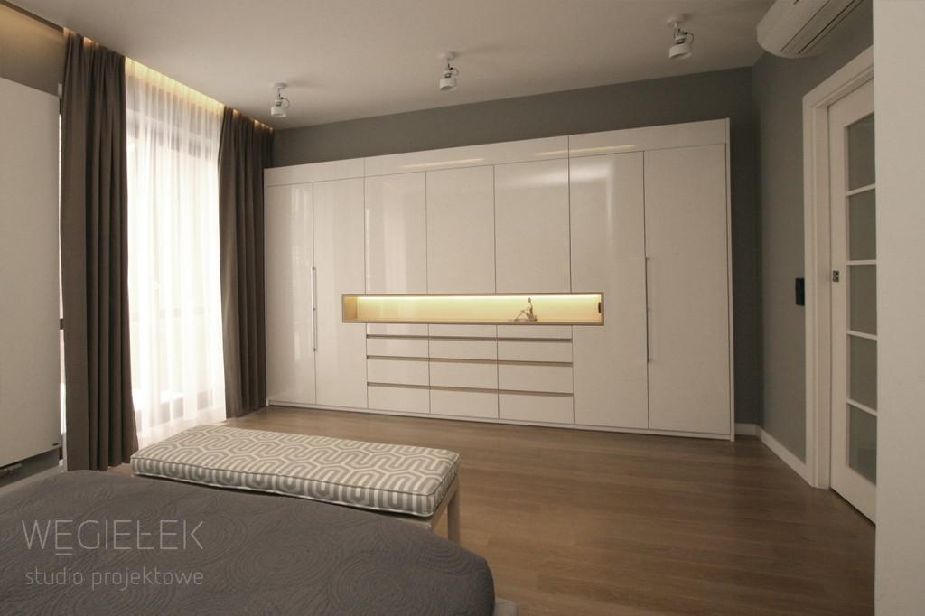 04 sapartament szafa w sypialni bialy polysk