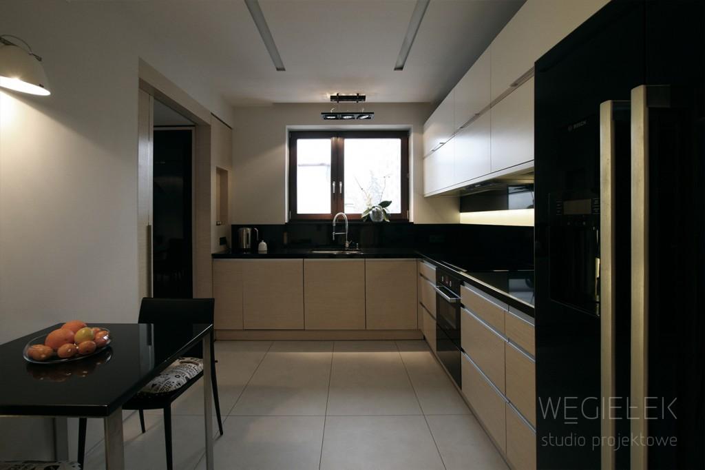 06 apartament kuchnia blat czarny kamien